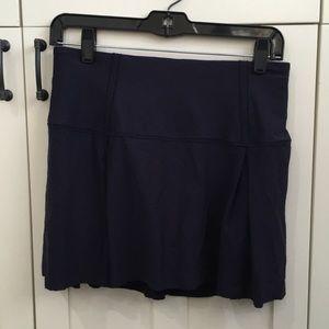 Lululemon navy skirt w/ shorts sz 6 tall 57040